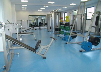 Zdjęcie przedstawia siłownie